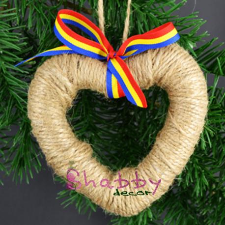Decoratiune rustic inimioara cu tricolor
