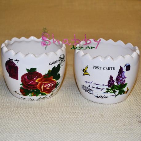 """Vas ceramica mic """"coaja de ou"""" cu model floral"""