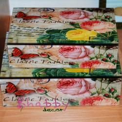 Cutie bijuterii vintage cu fluture si trandafiri