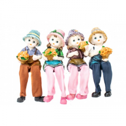 Set 4 Figurine Copilasi cu Flori pentru Decor