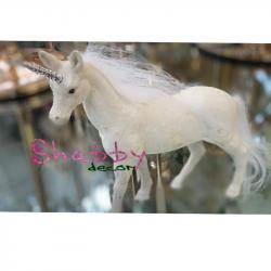 Unicorn alb cu sclipici