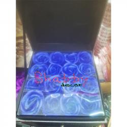 Cutie Cadou cu 16 Trandafiri Sapun Albastru inchis si Spatiu Bijuterii