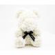 Ursulet din trandafiri albi 35 cm in cutie cadou