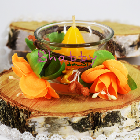Suport lumanare cu coronita din flori artificiale